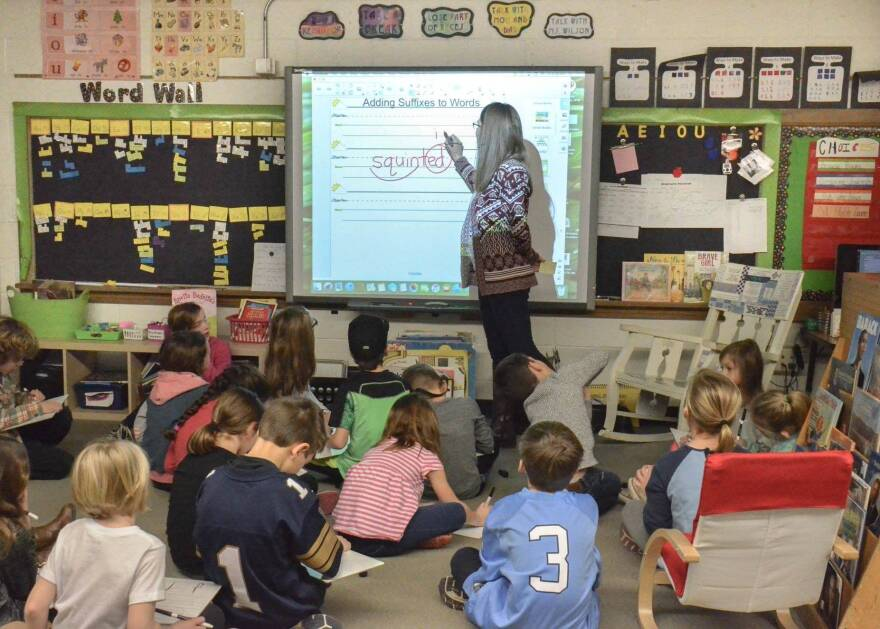 In response to a formal complaint filed by parents, children in Upper Arlington, Ohio, are now taught to read using a phonics-based approach.