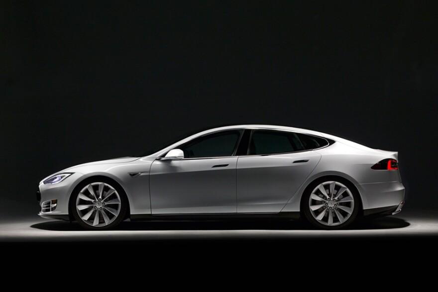 Tesla_courtesy_same.jpg