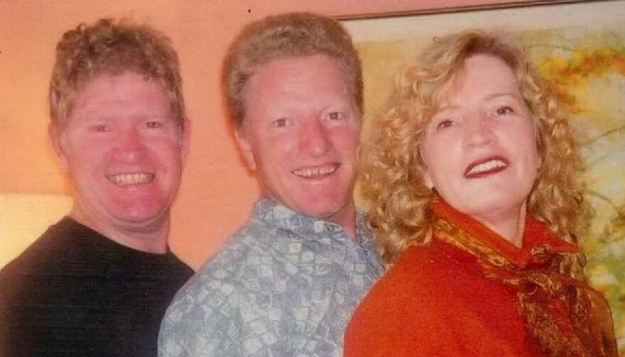 From left to right: Siblings Glen Jackson, Jack Jackson and Jill Jackson -d'Entermont