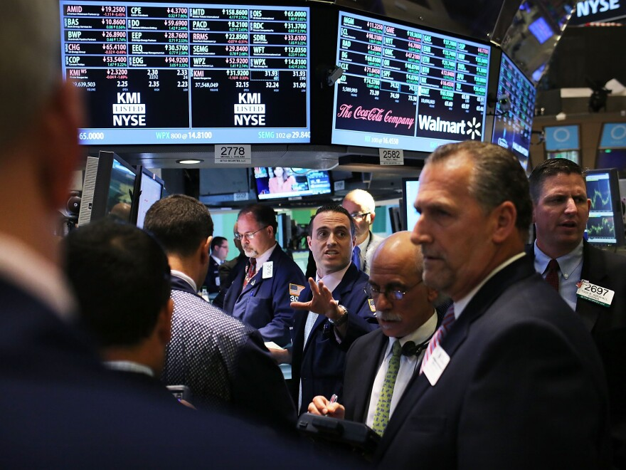 Obama administration officials pointed to the 56 percent rise in the Dow Jones Industrial Average since January 2009, and rising 401(k) values as evidence that the personal balance sheets of many Americans have improved during his presidency.