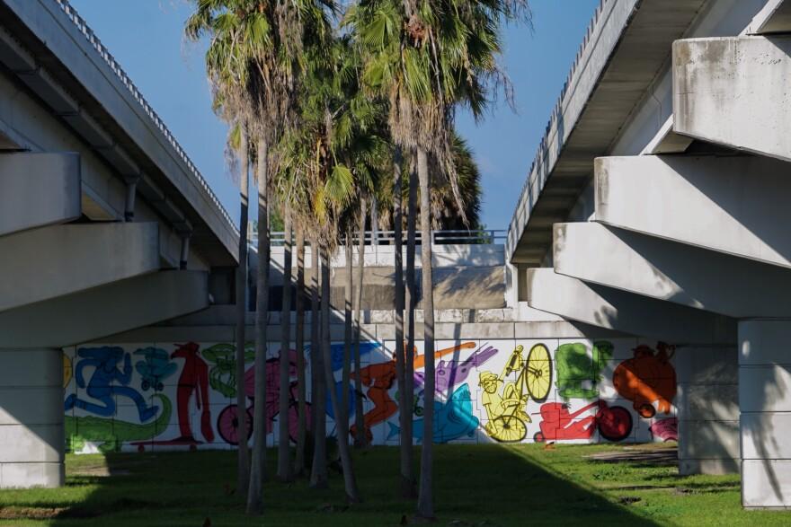 Stephen Palladino's mural Be Right Back