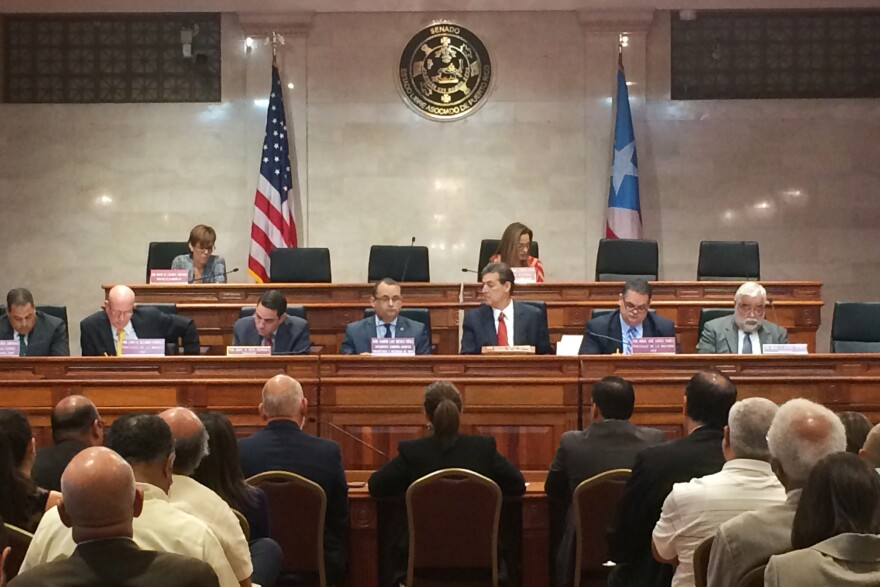 An energy restructuring hearing in San Juan.