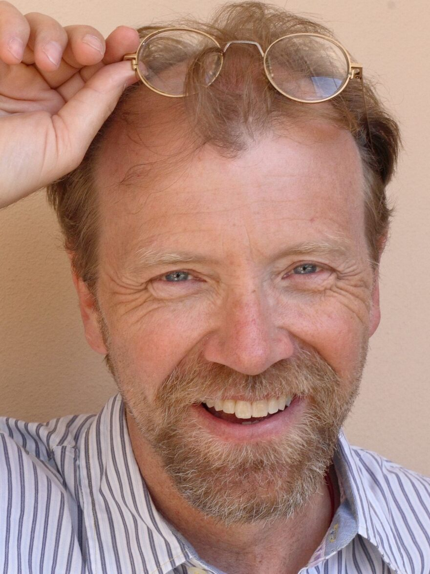 George Saunders' previous books include <em>In Persuasion Nation</em> and <em>The Very Persistent Gappers of Frip</em>.<em> </em>He won a MacArthur Fellowship in 2006.
