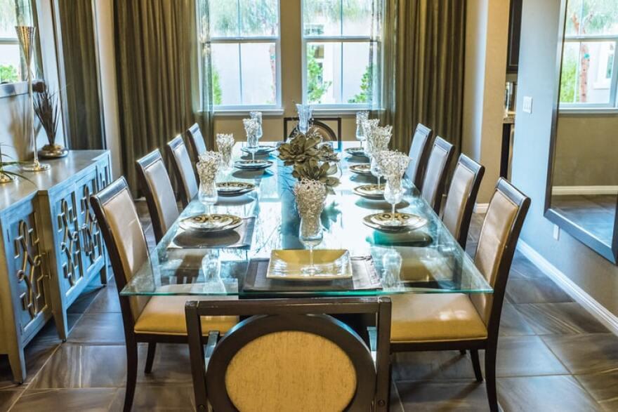 holiday-table-family-dinner.jpg