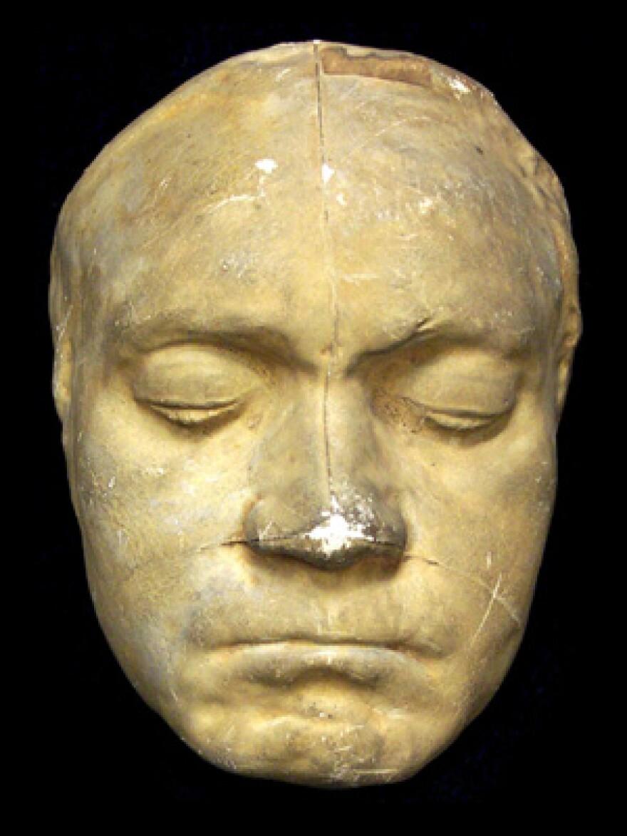 beethoven life mask 1812.jpg