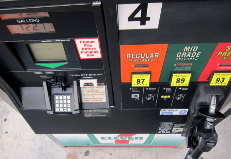 1-7-11_gas_pump-Nathan_Bernier.jpg