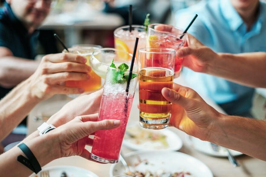 drinks_alcohol_booze_straws.jpg