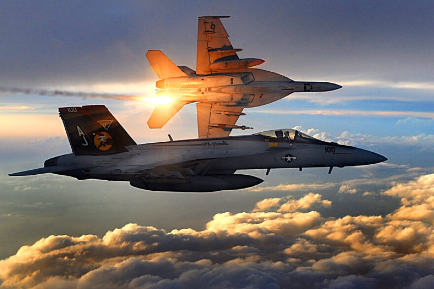 fa-18_squadron_31.jpg