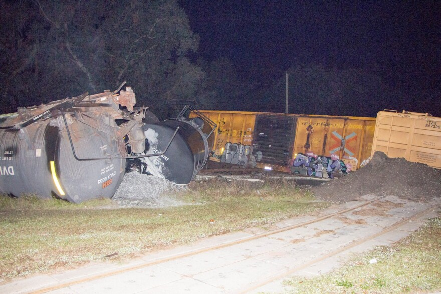 polk_train_derailment3.jpg