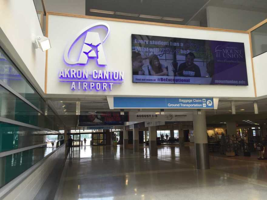 photo of passengers exit lobby at Akron-Canton Airport