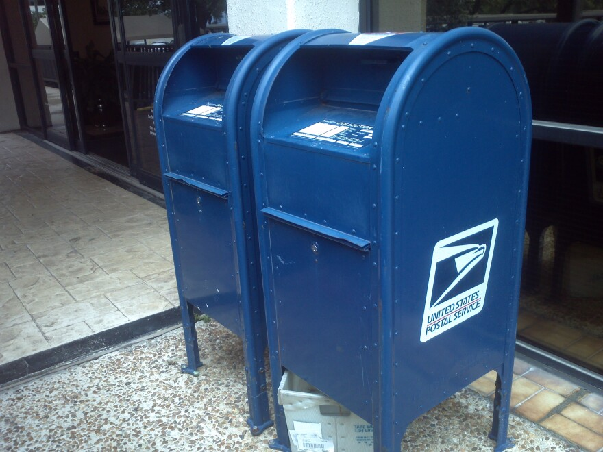 US_Postal_Service_mailboxes.JPG