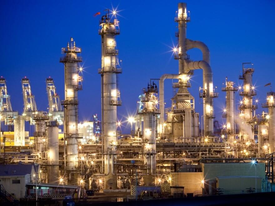 carson-refinery-flickr.jpg