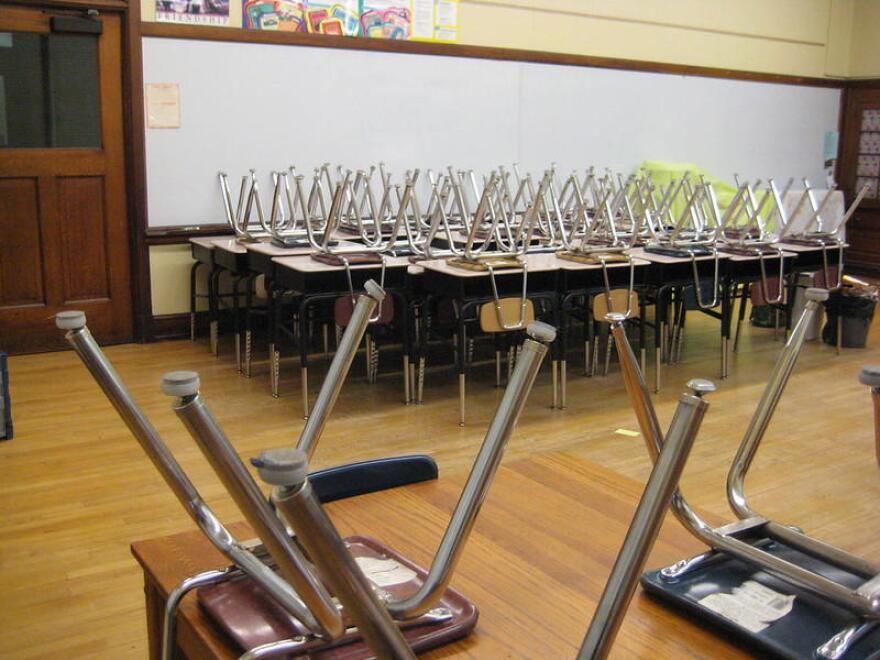 empty_classroom_0.jpg