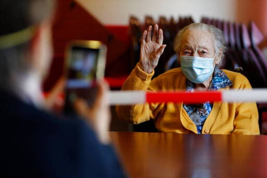 Virus_Outbreak_Nursing_Home_Visits_23215.jpg
