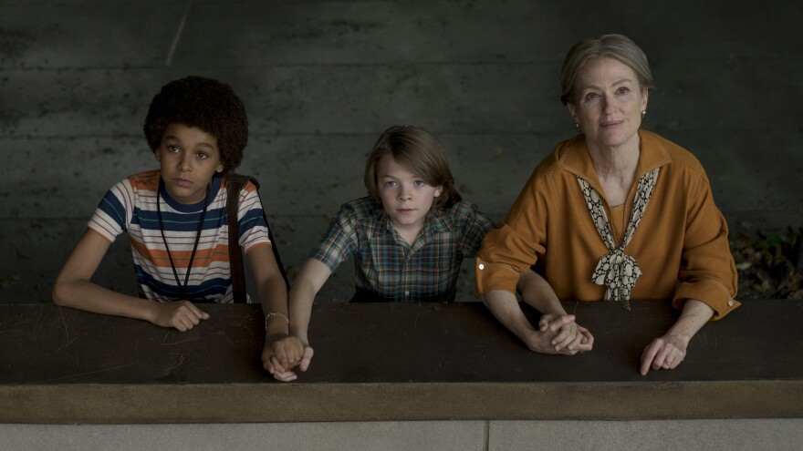 Jamie (Jaden Michael) and Ben (Oakes Fegley) meet ... a woman played Julianne Moore (no spoilers!) in Todd Haynes' <em>Wonderstruck</em>.