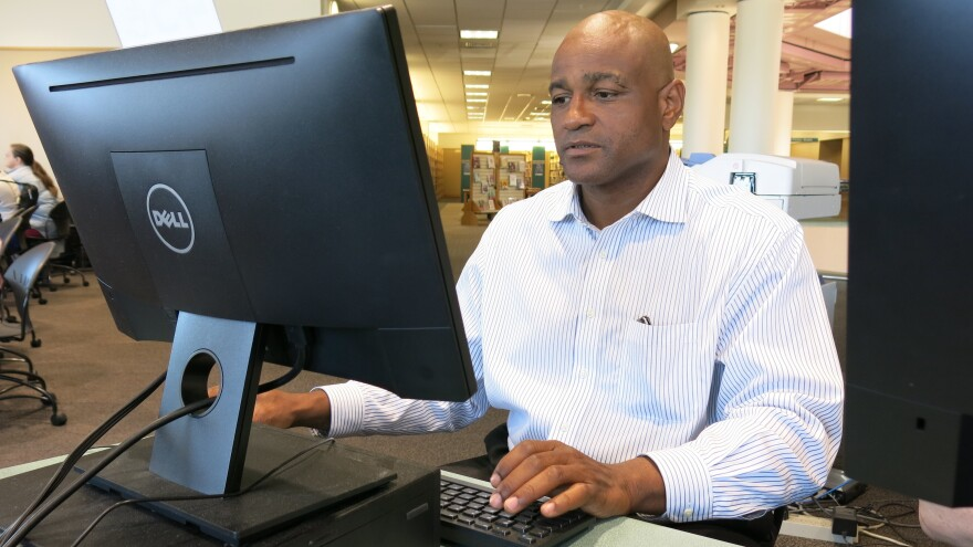 Charles Simpson quit working for Pipeliners Local 798 after experiencing racism on the job. Now he spends time searching for work on the free computers at the public library in Lexington, Ky.