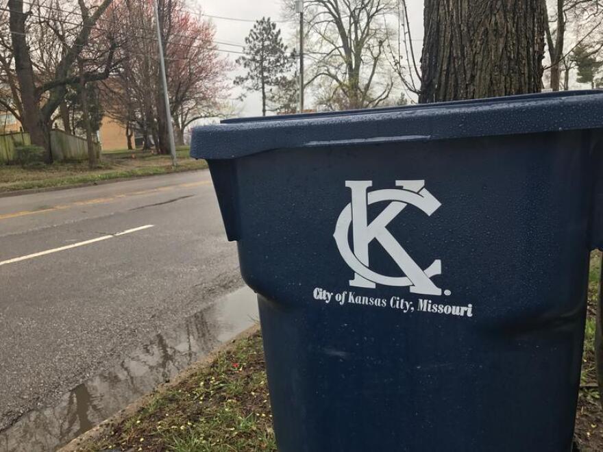 KCMO_trash_bin.jpg