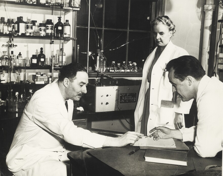 adjEp_1Dr_Sidney_Farber_with_colleagues_c1950.jpg
