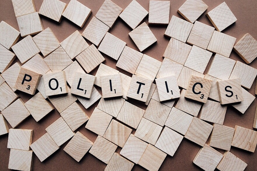 politics-2361943_1920_0.jpg