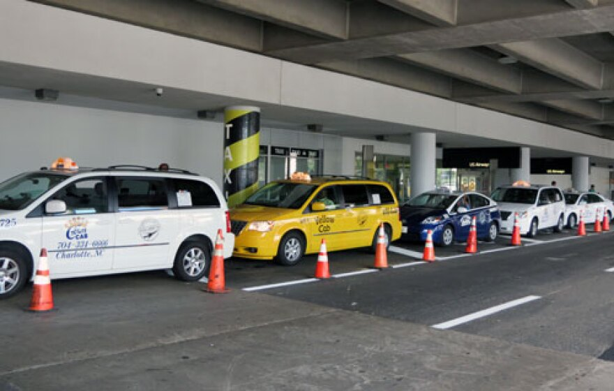 taxis at charlotte douglas airport