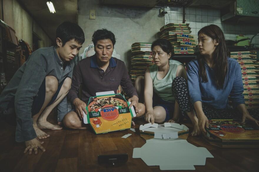 parasite-the_kim_family_woo-sik_choi_kang-ho_song_hye-jin_jang_so-dam_park_in_parasite_rgb.jpg