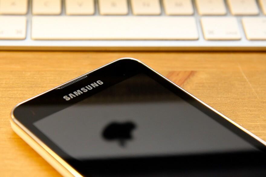 SamsungApple.matt_gibson.jpg