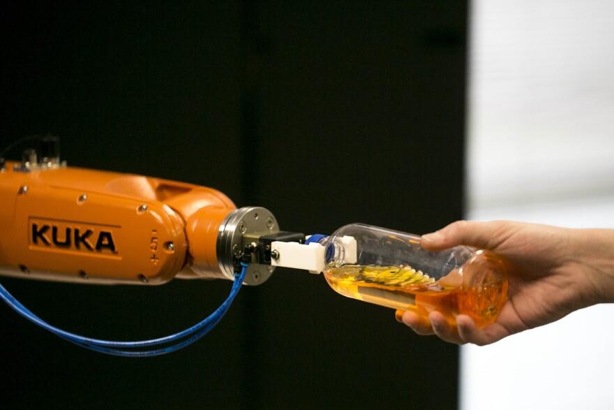 kuka_robot.jpg