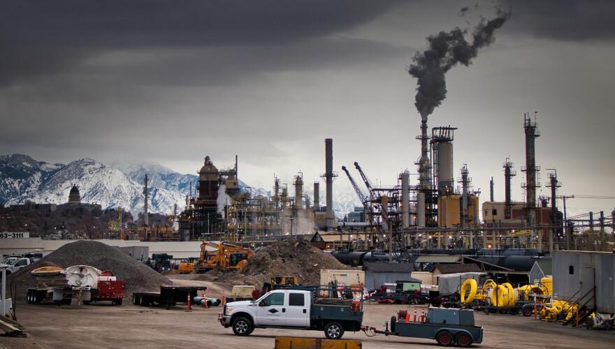 Photo of refinery.