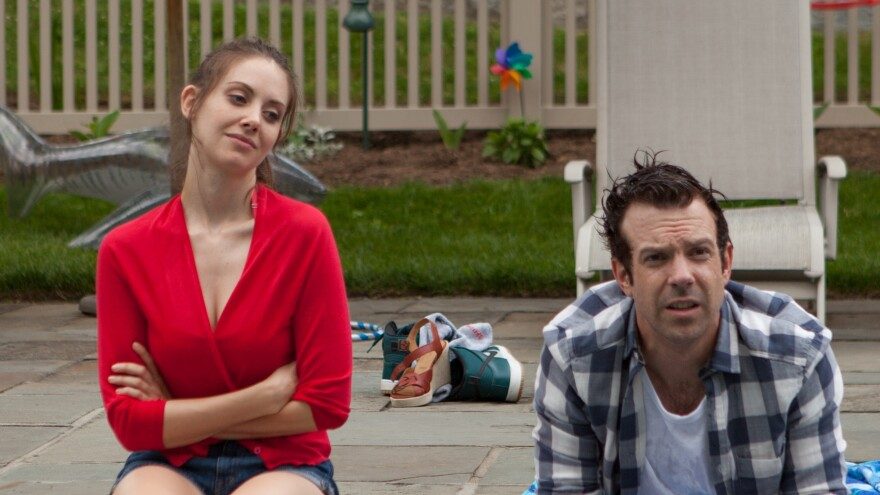 Alison Brie and Jason Sudeikis are serial cheaters who meet up years after having a one-night stand in <em>Sleeping with Other People. </em>