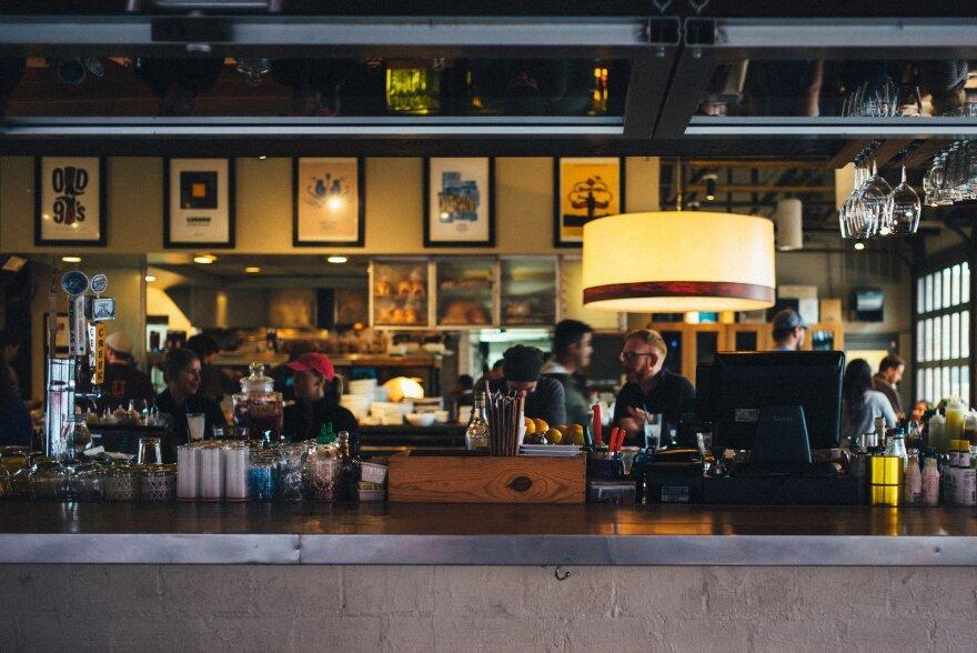 restaurant-690569_1920__1_.jpg