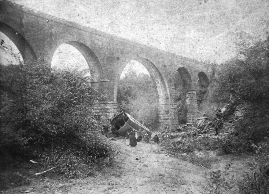 Bostian_Bridge_Train_Wreck_in_Iredell_County.jpg
