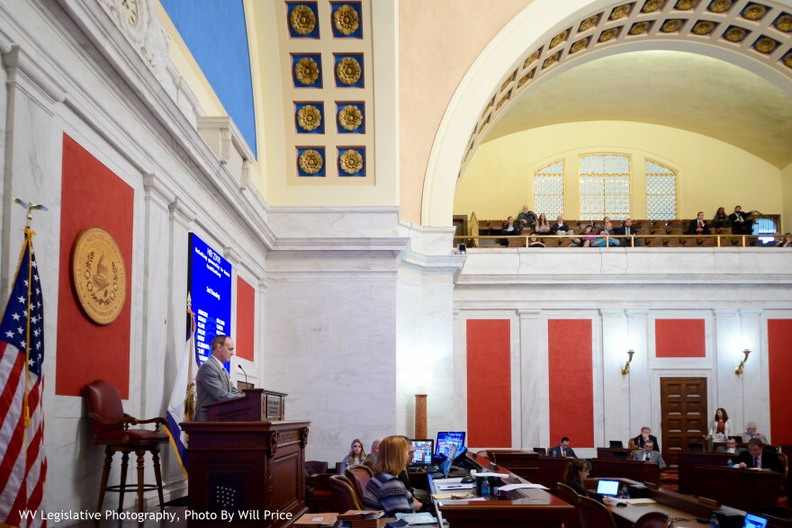 SenateSide2017_0.jpg