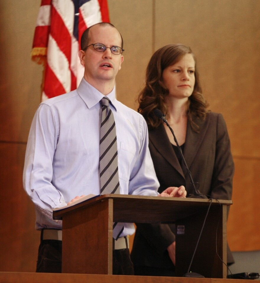 """<p>Amy Wales and her brother Tom gave a press conference on the fifth anniversary of their father's murder in 2006. They haven't given up on finding their father's murderer, and are working with the FBI. Amy says of the murderer: """"He should not be free to roam."""" </p>"""