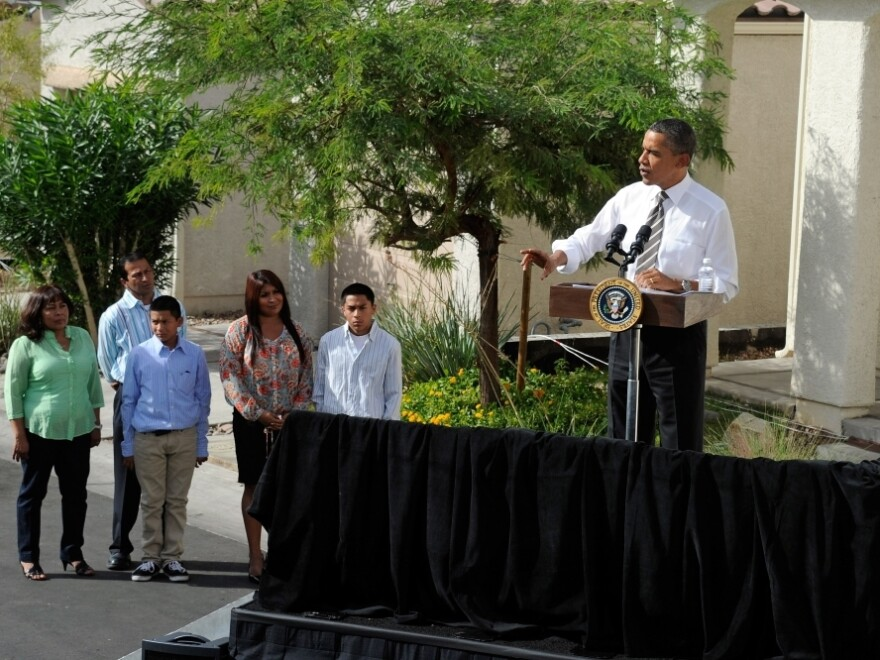 <p> President Obama announces his housing initiative to help homeowners with federally guaranteed mortgages refinance their homes, in Las Vegas on Monday. </p>