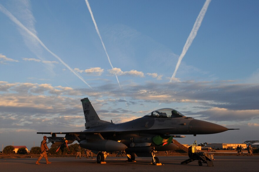An F-16 Fighting Falcon, assigned to the 180th Fighter Wing, Ohio Air National Guard, sit on the flightline of Patrick Air Force Base, Florida, before morning training sorties Jan. 30, 2019. The 180FW deployed more than 130 Airmen and 10 F-16s.