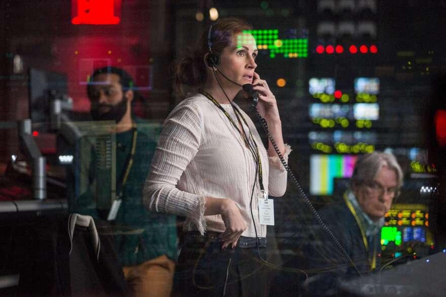Julia Roberts stars as Patty Fenn, a longtime television producer, in <em>Money Monster.</em>