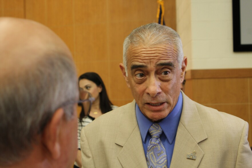 Perez-Superintendent-Edgewood.JPG