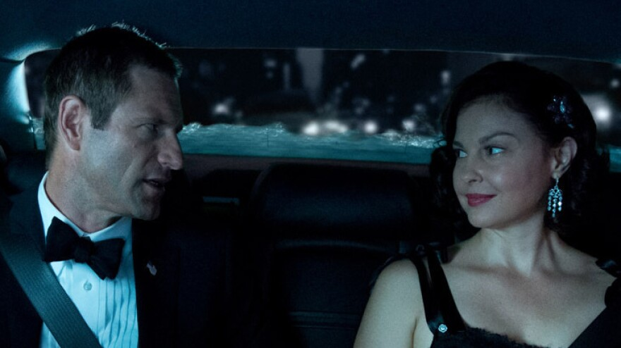 Aaron Eckhart and Ashley Judd as the president and first lady in <em>Olympus Has Fallen</em>.