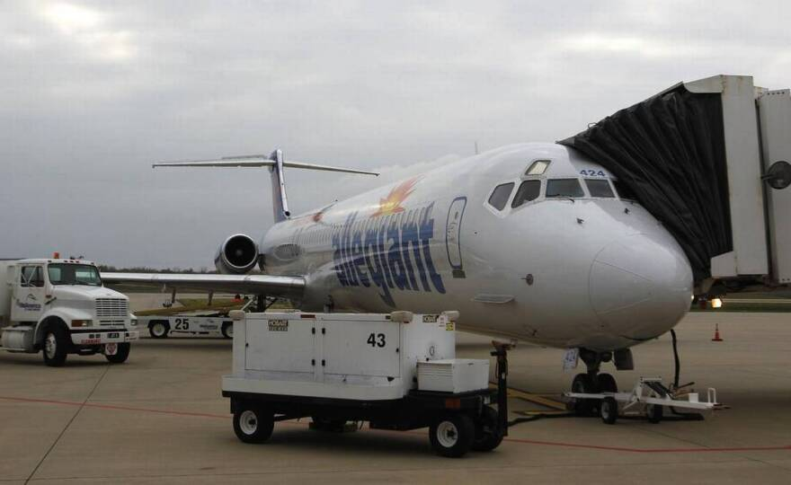 Allegiant Airlines is the only passenger carrier at MidAmerica St. Louis Airport.