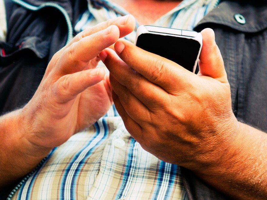 Texting gentle reminders on heart-healthy habits helped people make real changes.