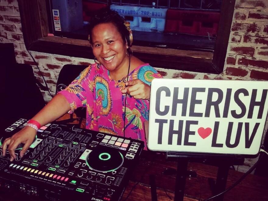 Cynthia Cherish Malaran and her DJ-808 in action.