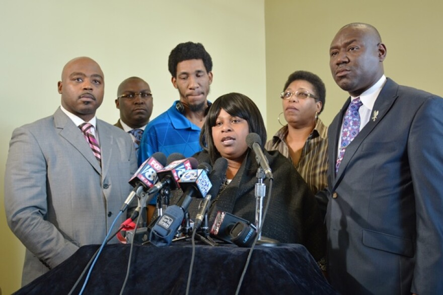 Samaria Rice (center) speaking at a previous press conference about the police shooting of her 12-year-old son, Tamir Rice. Attorney Benjamin Crump is on the right.