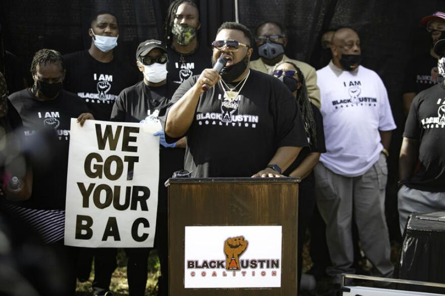 Nook Turner, 41, speaks before a crowd of Black Austinites on Saturday.