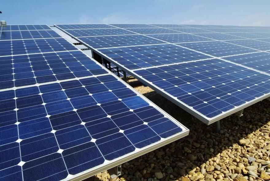 solar_panels_hawaii.jpg