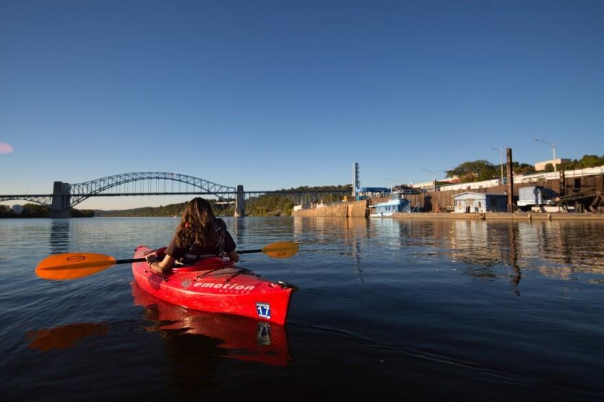 Rachel King kayaking on the Ohio River