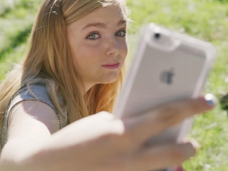 Elsie Fisher stars as a shy 13-year-old girl who creates YouTube videos about how to be confident in <em>Eighth Grade.</em>