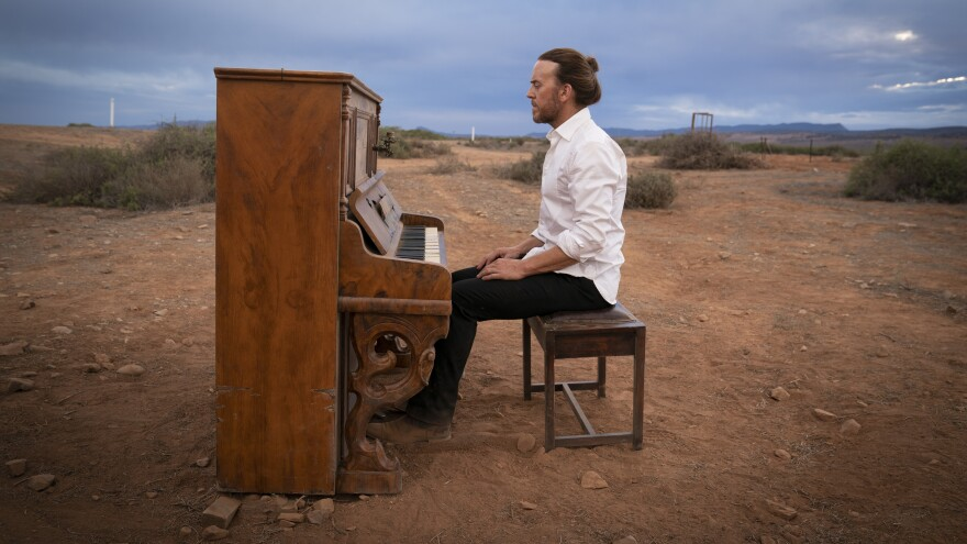 Tim Minchin plays Lucky in the new series <em>Upright.</em>