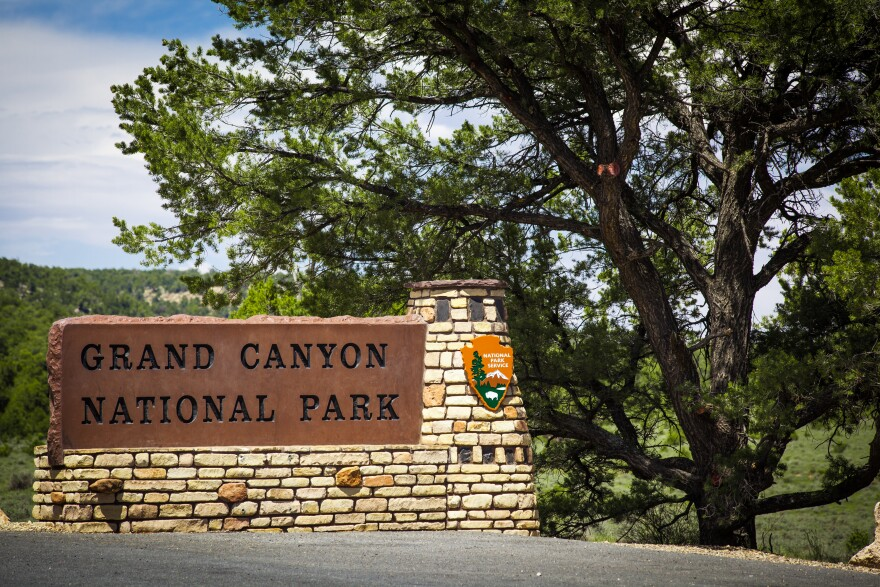 Photo of grand canyon sign.