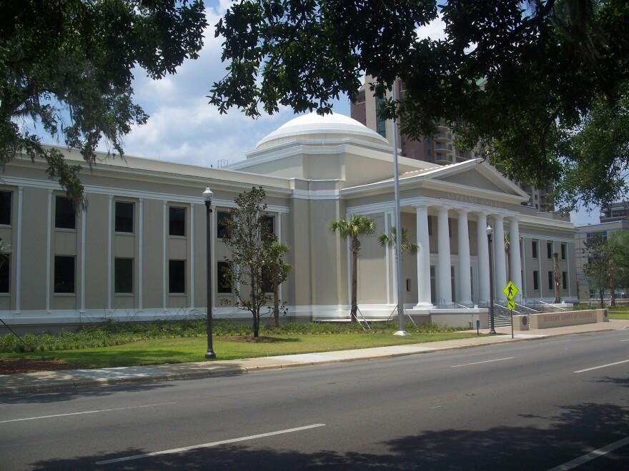 Tallahassee_FL_Supreme_Court_bldg01.jpg