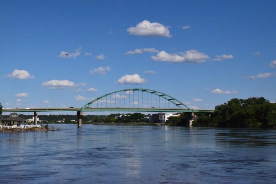 20190610_Missouri_River_Sioux_City.jpg